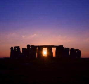 Tramonto a Stonehenge durante il Solstizio d'Inverno